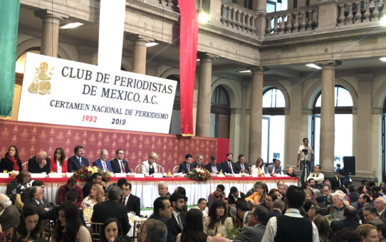 Greg Palast Awarded Prize for International Reporting from Club de Periodistas de México